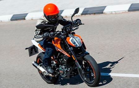 KTM 125 Duke: ficha técnica, precios y motos rivales