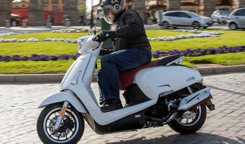 Los mejores scooters 125 por menos de 3.000 euros